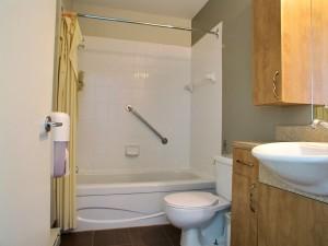 Salle de bain complète suite